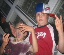 kids-smoking-gang-signs1